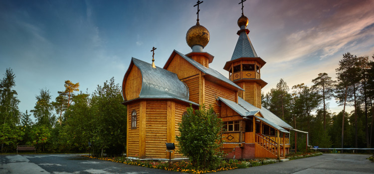 Xрам святых мучеников Флора и Лавра деревни Сайгатина Сургутского района.