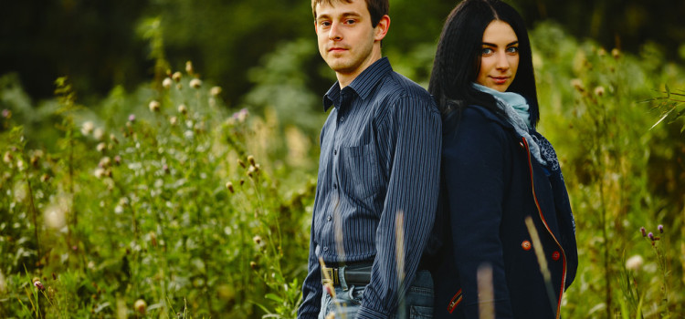 Саша и Даша. Предсвадебная фотосессия.